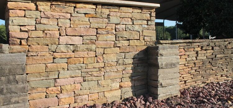 Stacking Flagstone Wall Installation