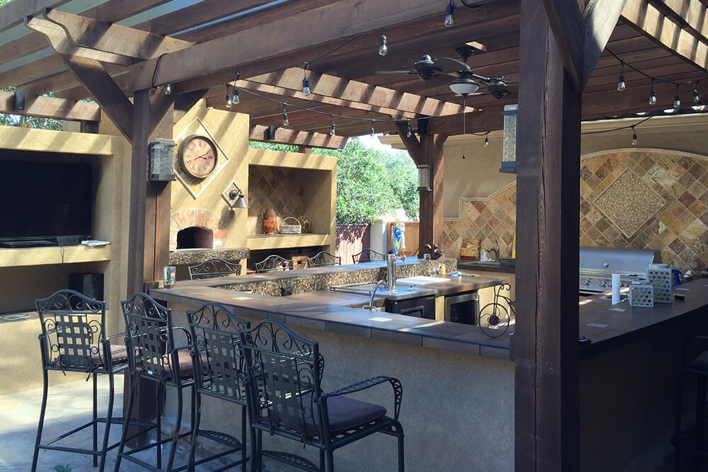 6 Must-Haves for Your Outdoor Kitchen